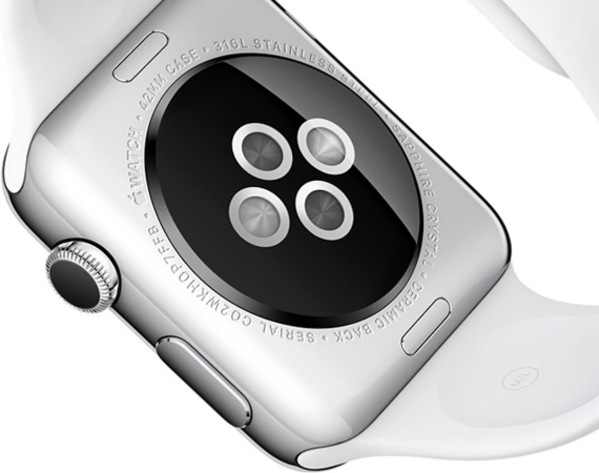 apple-watch-comes-with-8gb-00