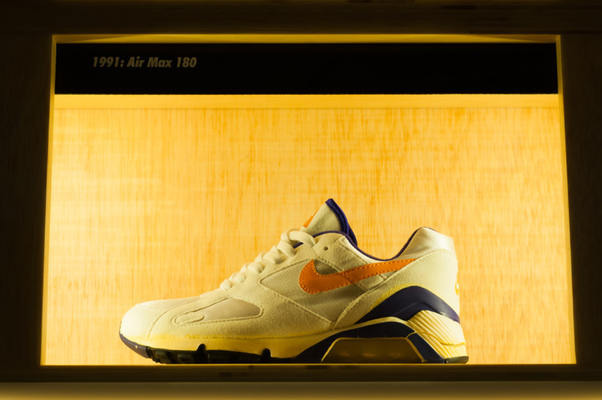 the-worlds-largest-air-max-wall-08