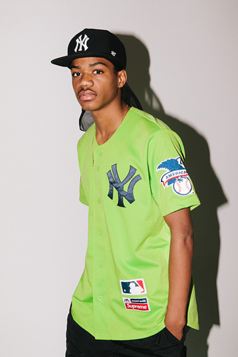 supreme-x-new-york-yankees-47-brand-collection-04