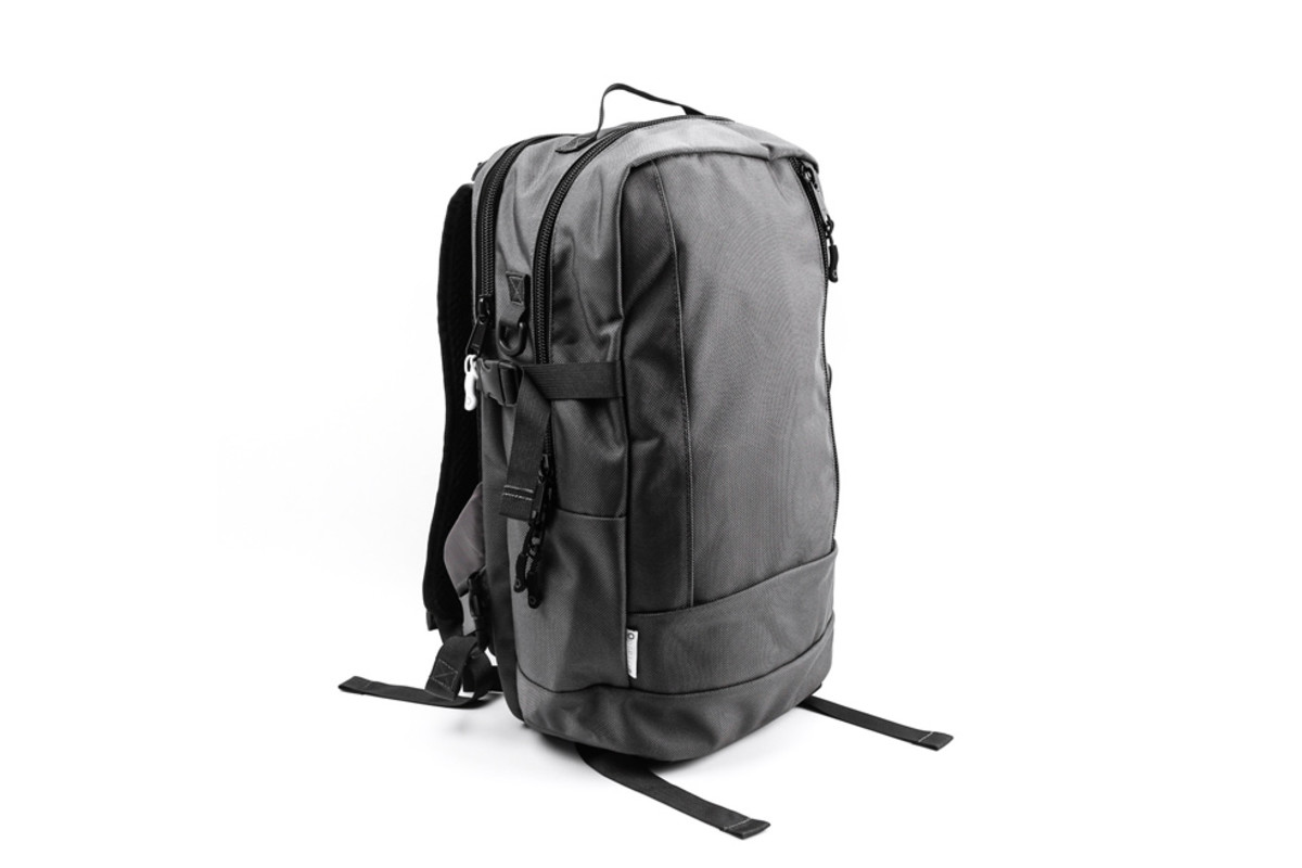 freshness-curated-10-everyday-backpacks-03