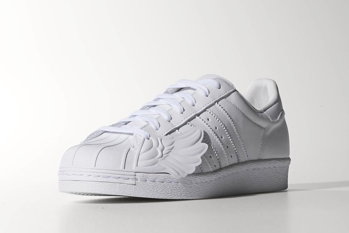 jeremy-scott-adidas-originals-superstar-wings-00