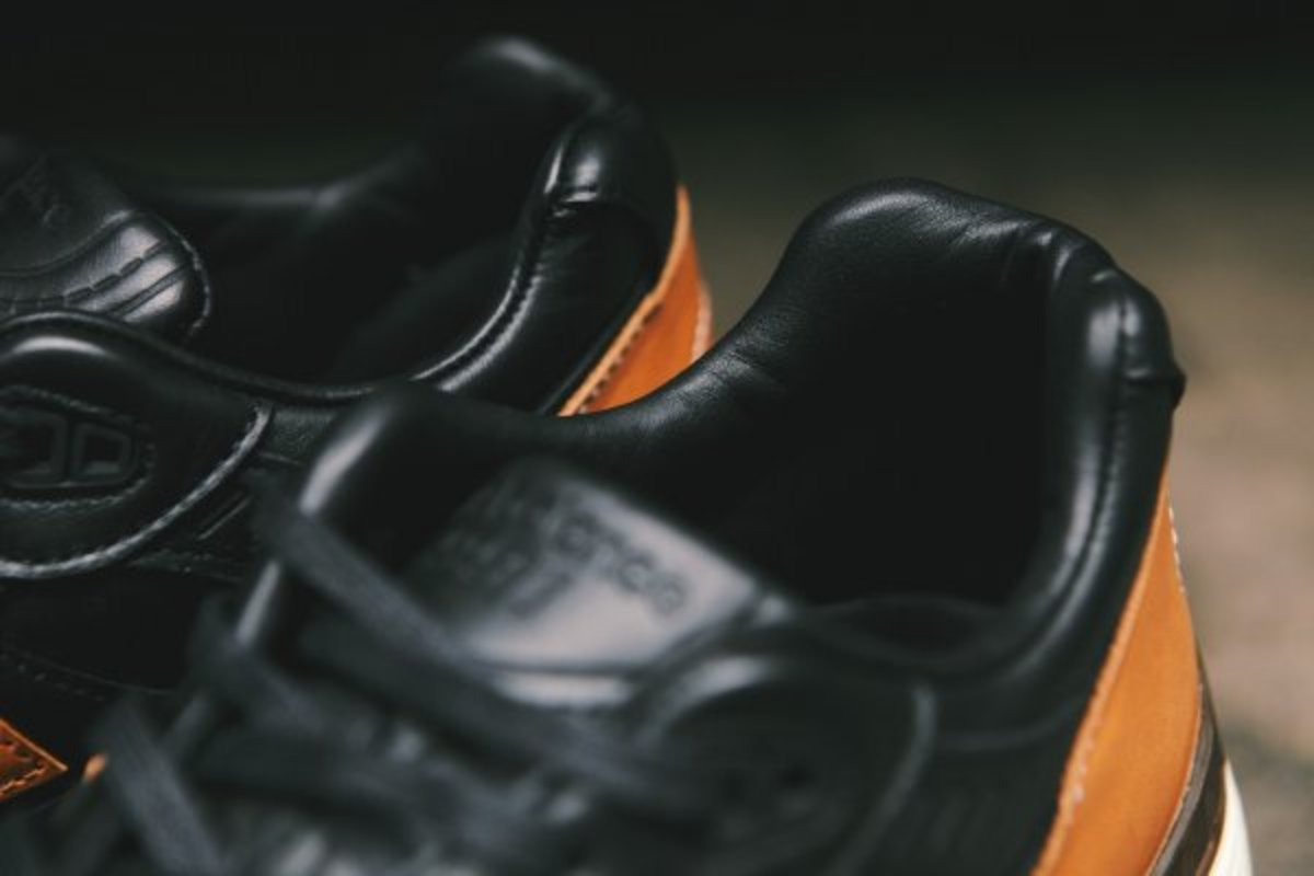 horween-leather-x-new-balance-m991bhr-08