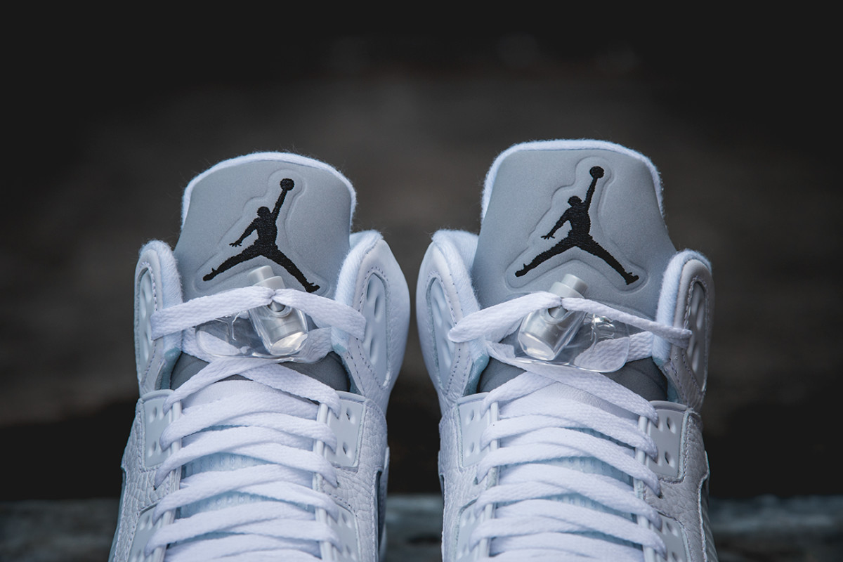 air-jordan-5-retro-white-metallic-silver-03