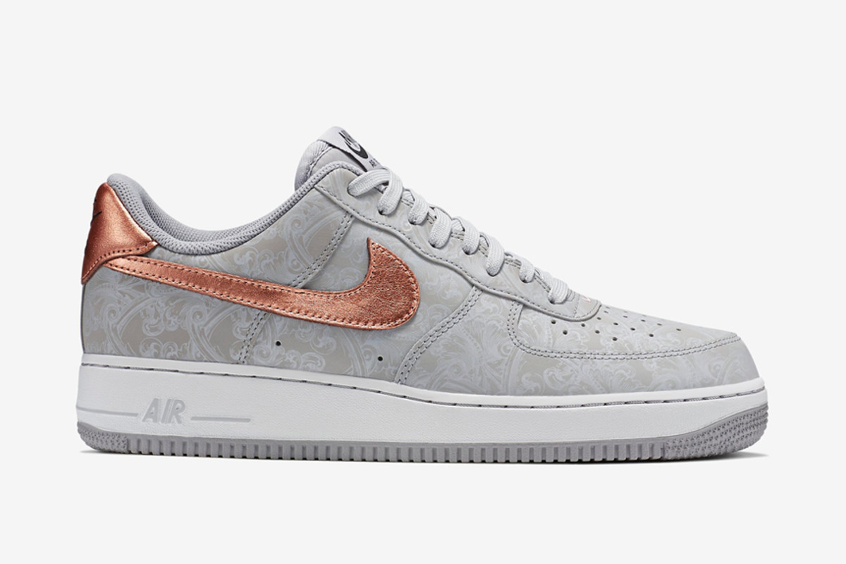 nike-air-force-1-lv8-wolf-grey-metallic-red-bronze-01