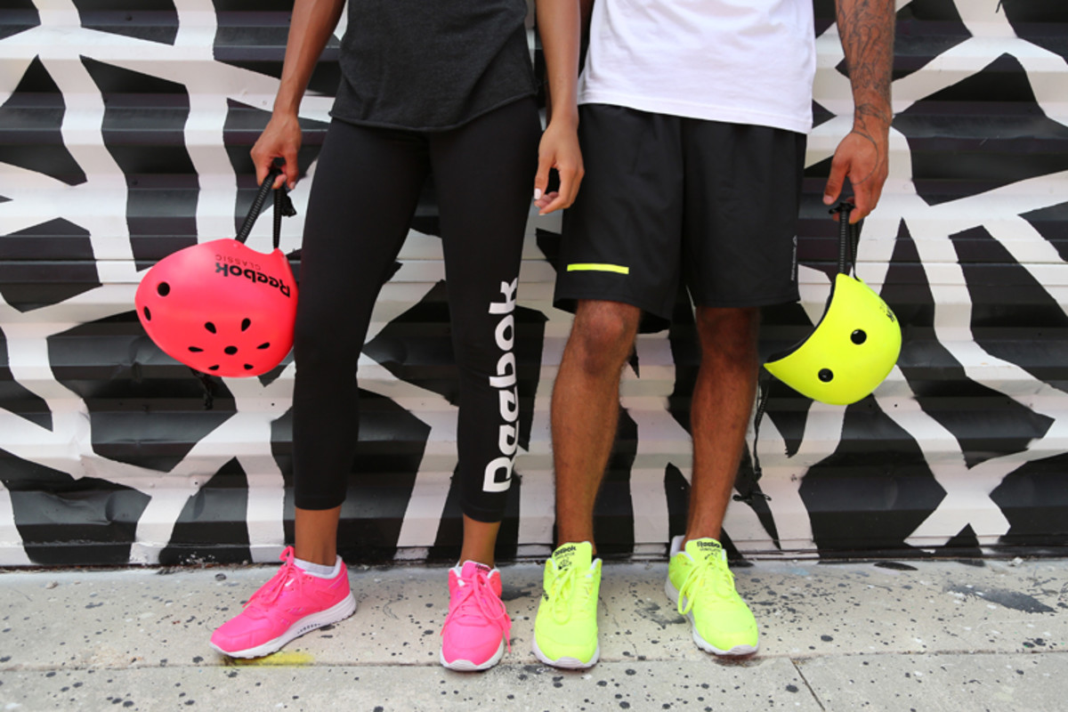 reebok-hand-delivers-the-ventilator-day-glo-08