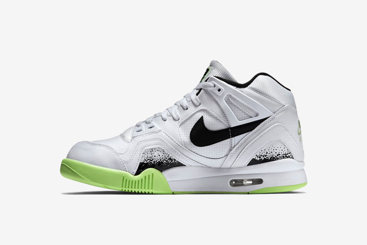 nike-air-tech-challenge-ii-liquid-lime-01