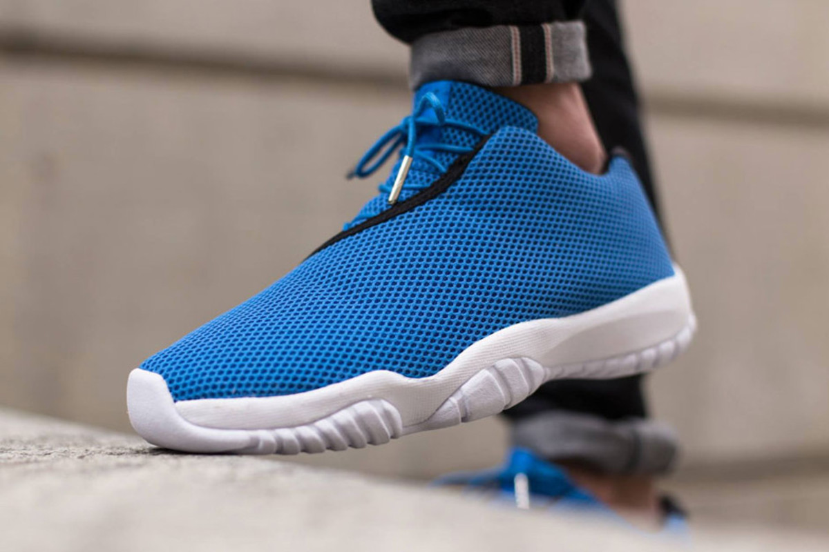 air-jordan-future-low-photo-blue-00