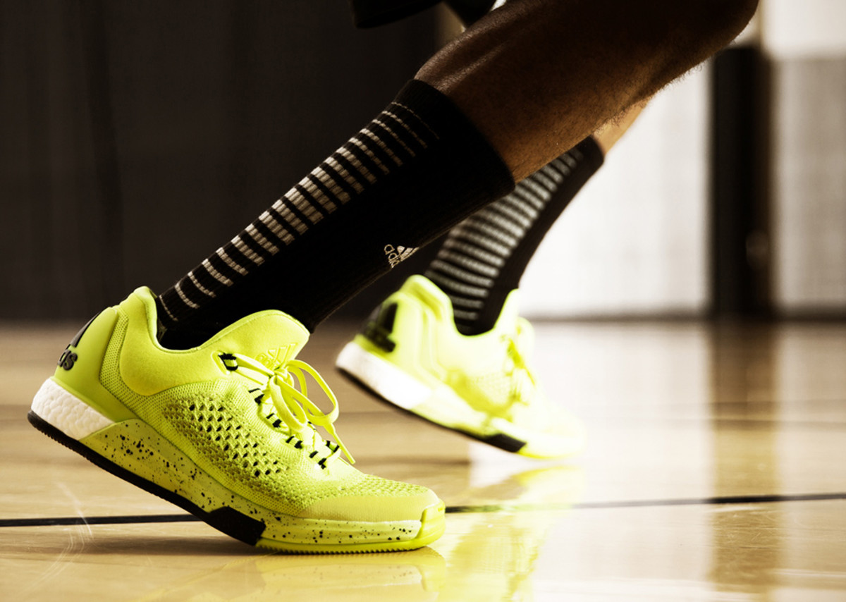 adidas-crazylight-boost-2015-08