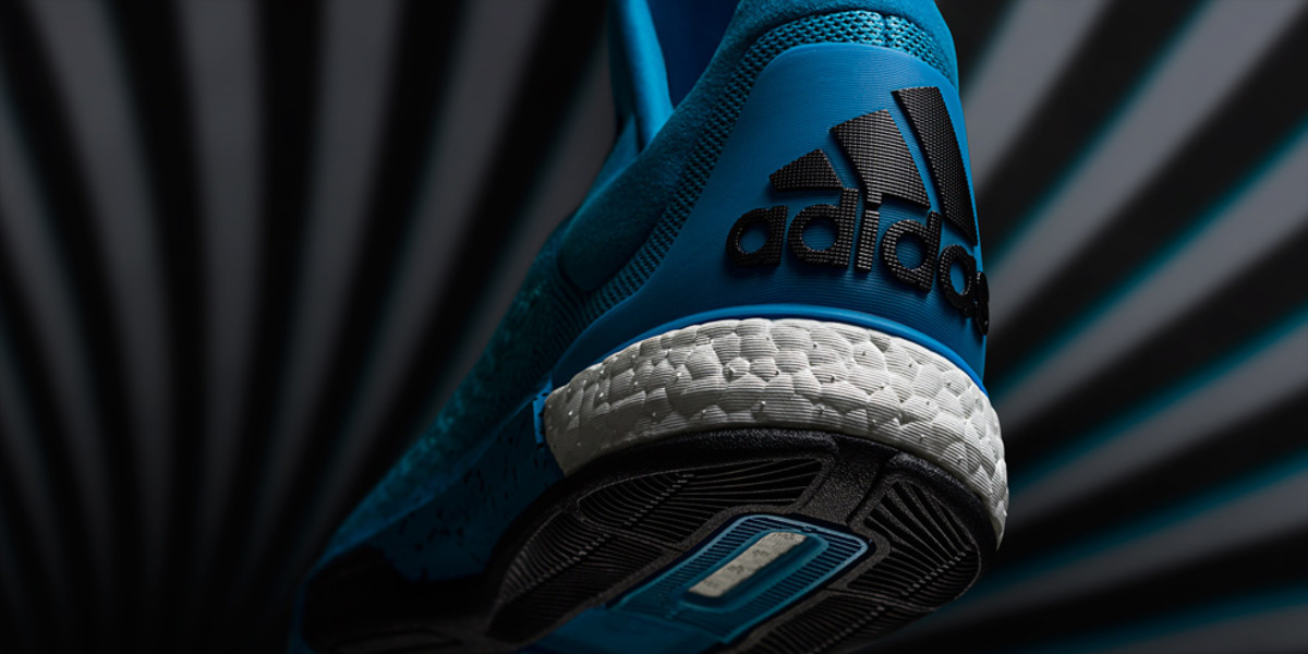 adidas-crazylight-boost-2015-02