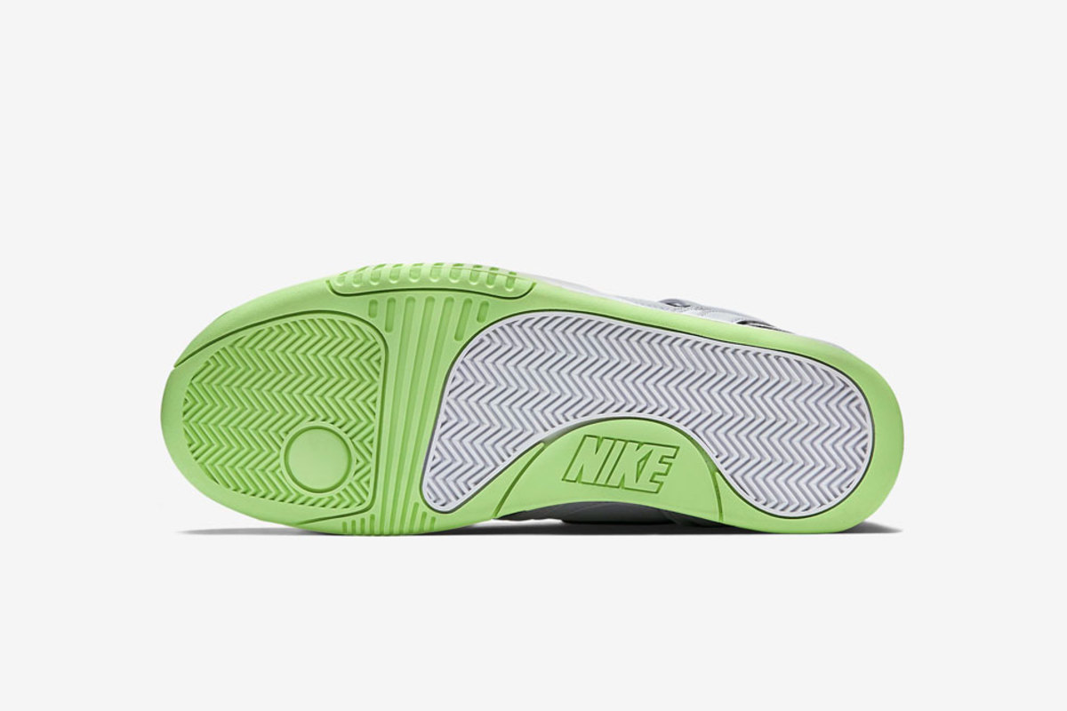 nike-air-tech-challenge-ii-liquid-lime-02
