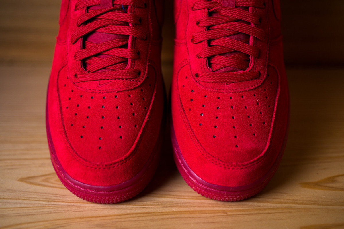 nike-air-force-1-07-lv8-gym-red-02