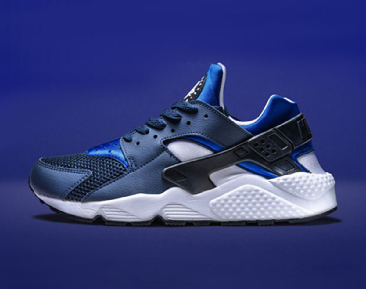 nike-air-huarache-two-tone-blue-00