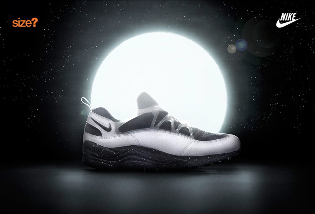 nike-air-huarache-light-eclipse-size-exclusive-01
