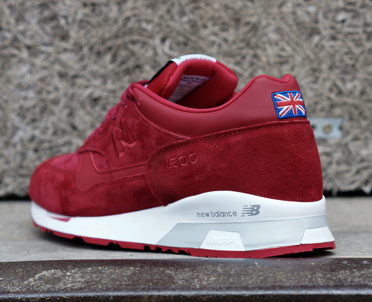 new-balance-flying-the-flag-collection-available-now-06