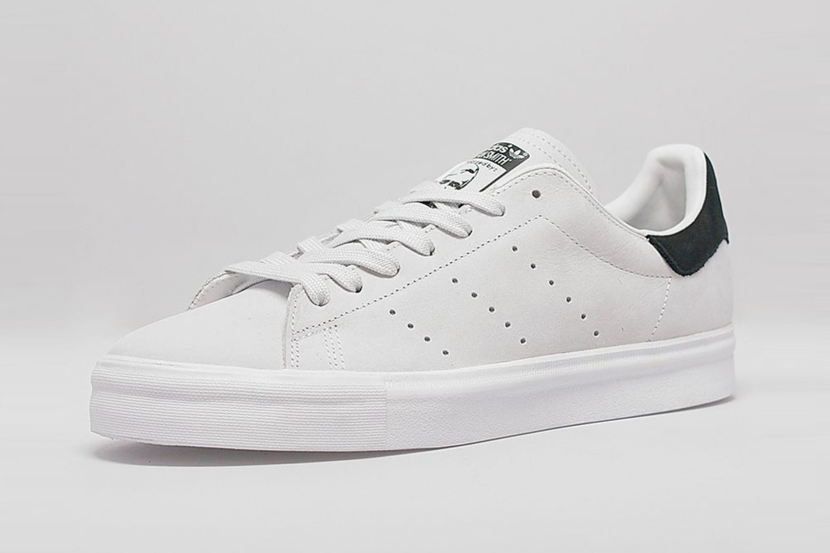 adidas white and grey stan smiths