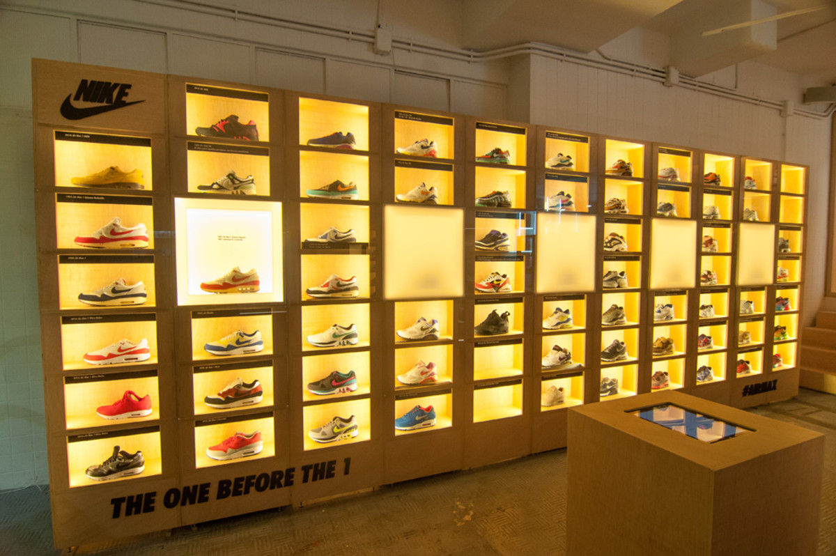 the-worlds-largest-air-max-wall-01