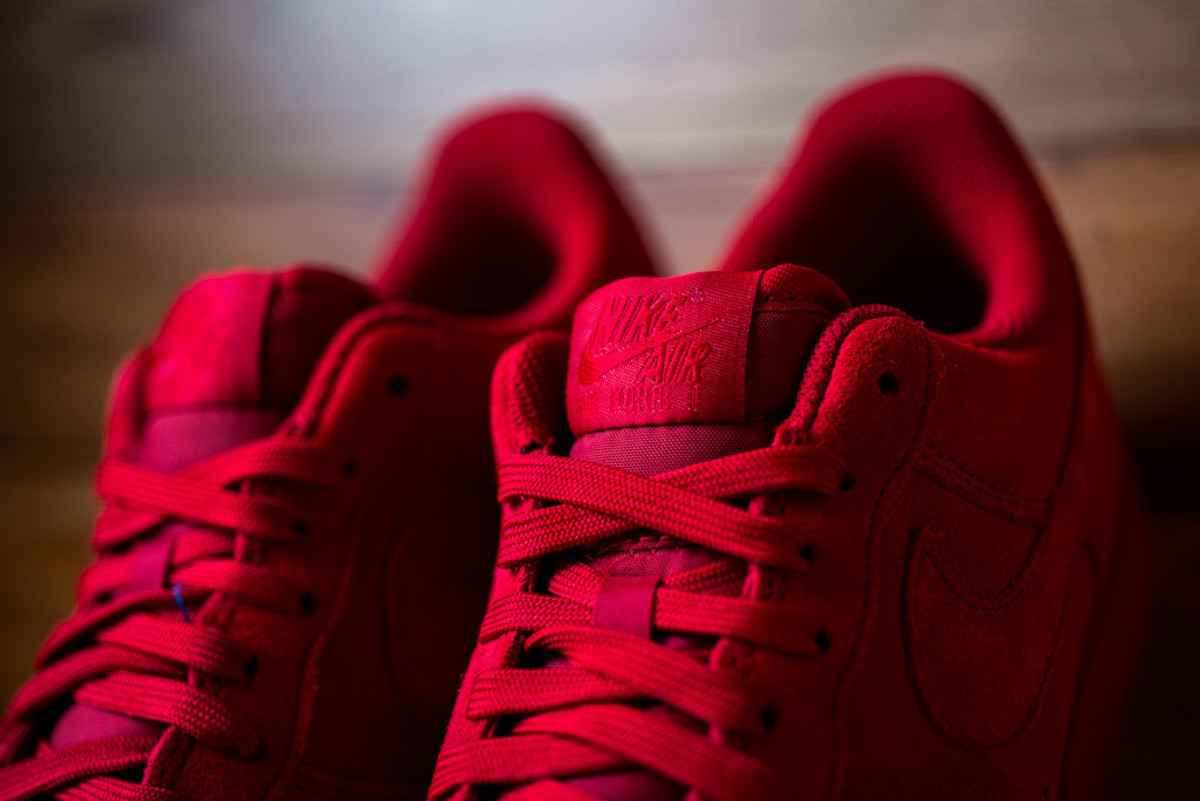 nike-air-force-1-07-lv8-gym-red-01