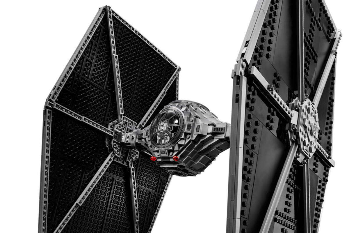 lego-ultimate-collector-series-tie-fighter-00