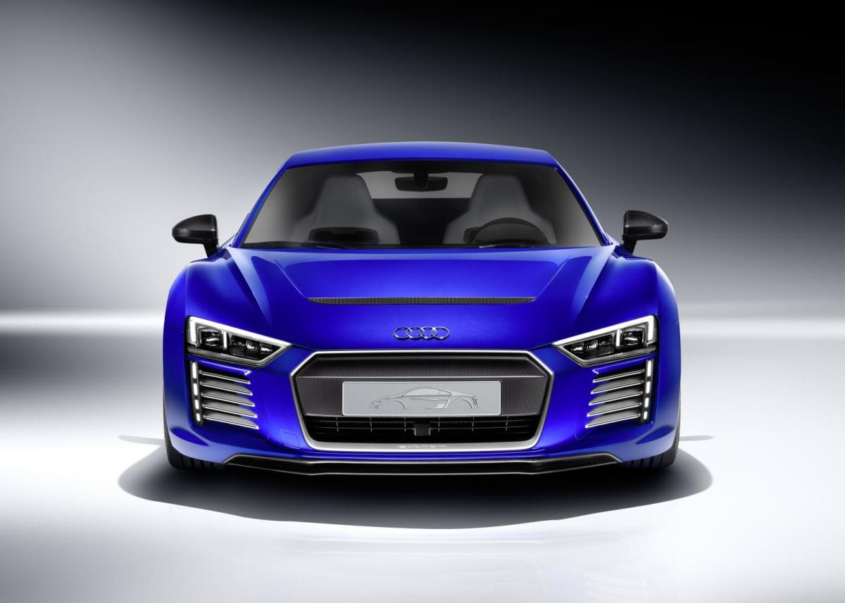 audi-r8-e-tron-piloted-driving-concept-03