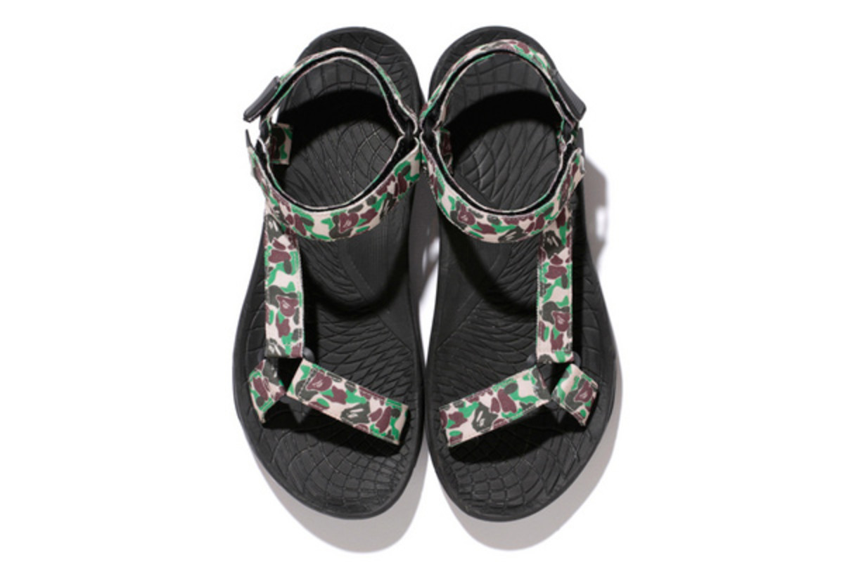 a-bathing-ape-abc-sandals-03