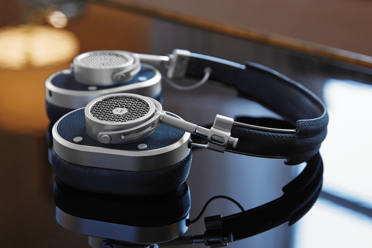 master-and-dynamics-mh40-headphones-02