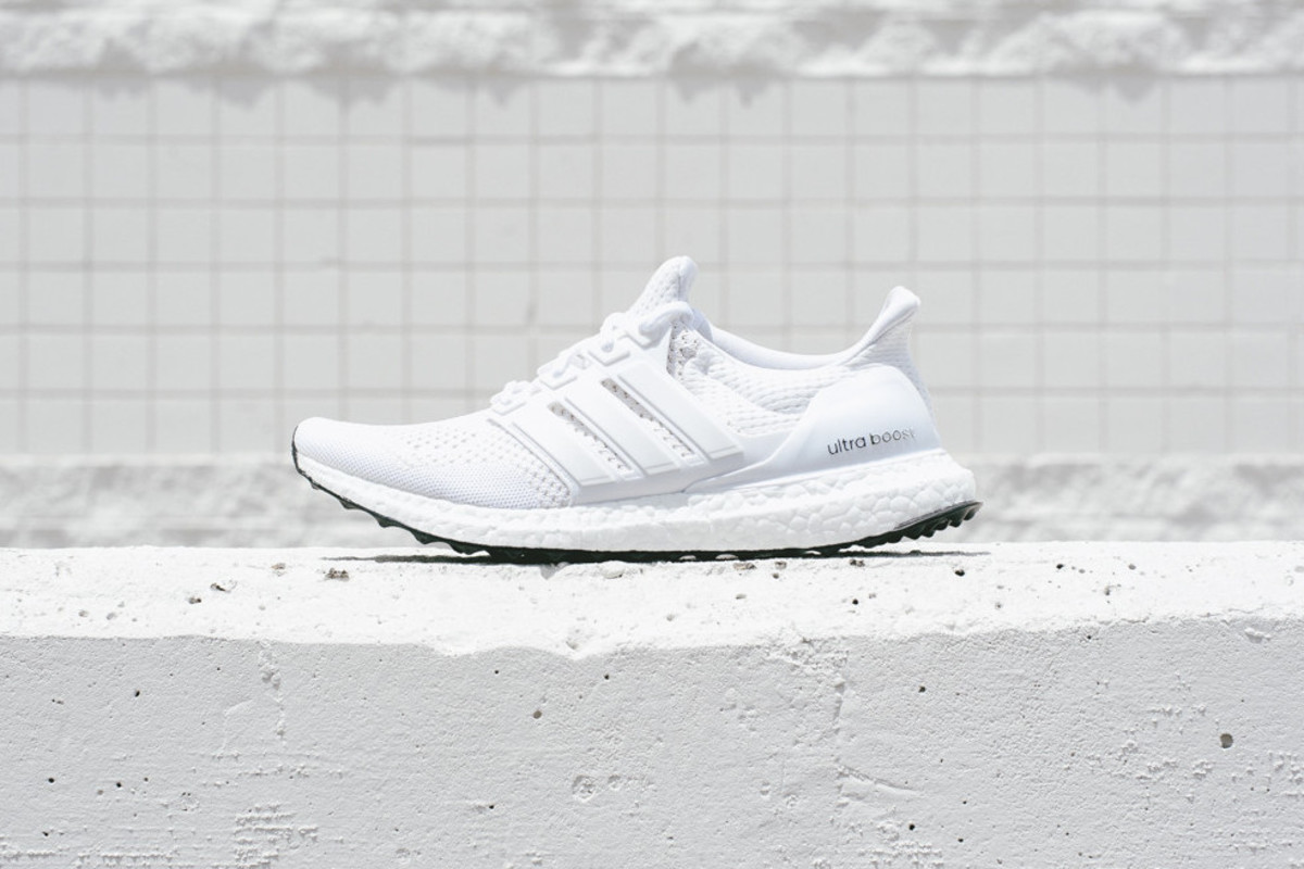 adidas-ultra-boost-all-white-00