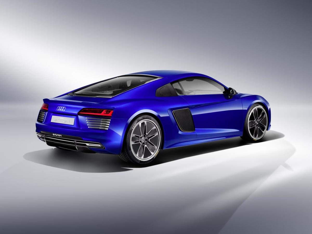 audi-r8-e-tron-piloted-driving-concept-04