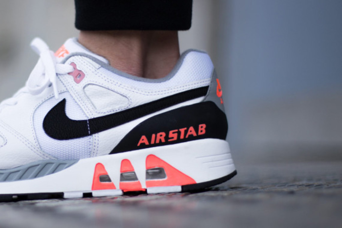 nike-air-stab-hot-lava-04