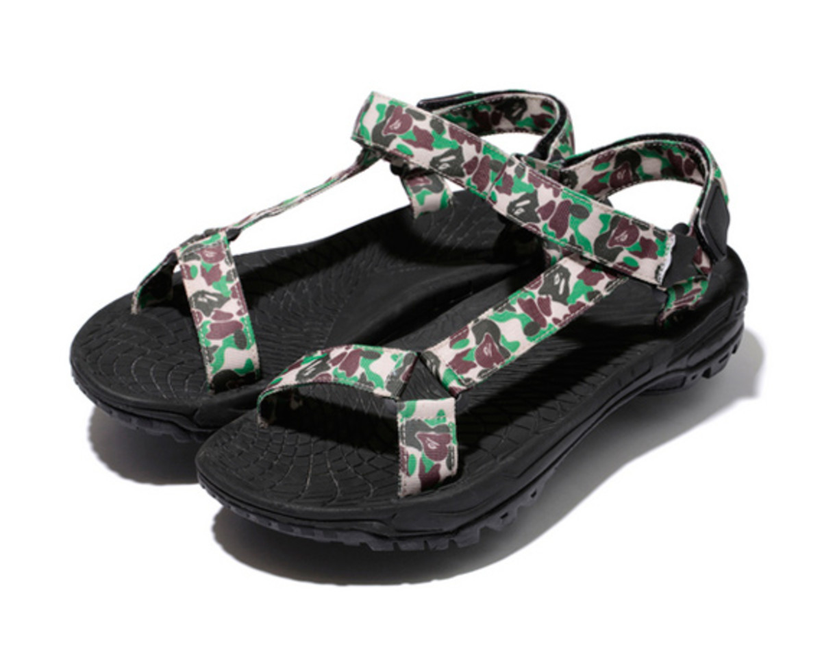a-bathing-ape-abc-sandals-00