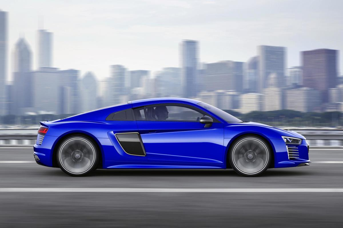 audi-r8-e-tron-piloted-driving-concept-01