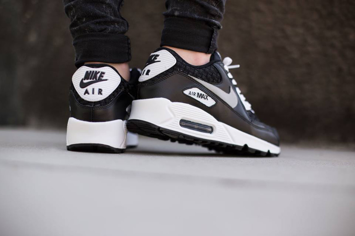 buy online 04fe7 2b696 nike-air-max-90-gs-woven-02