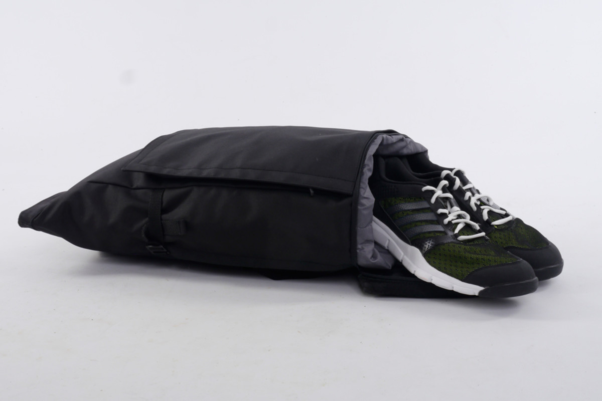 px-invisible-backpack-04