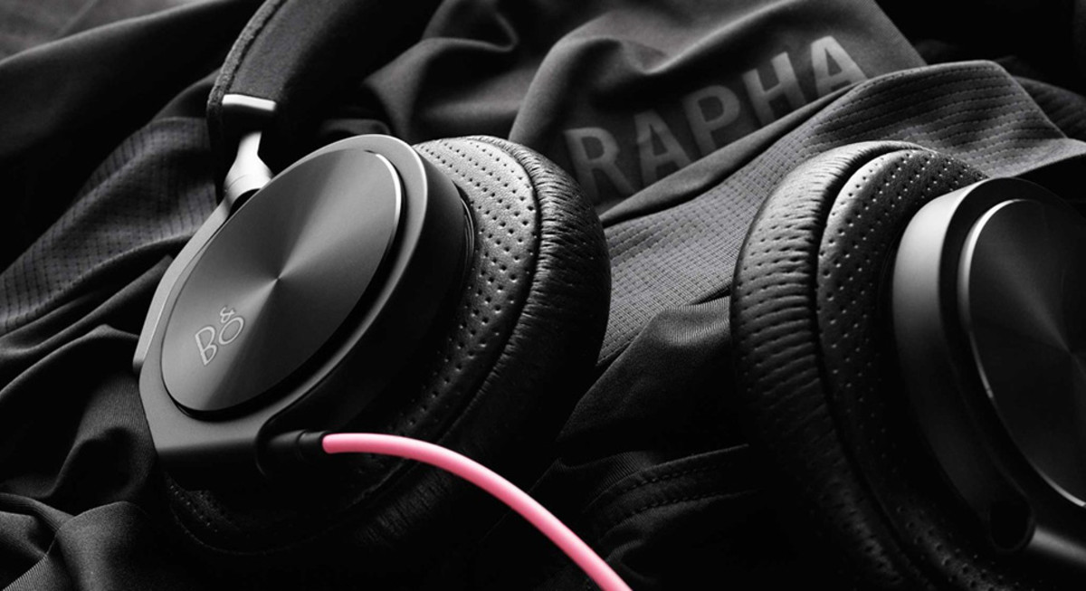 rapha-bang-olufsen-sweat-proof-headphones-05