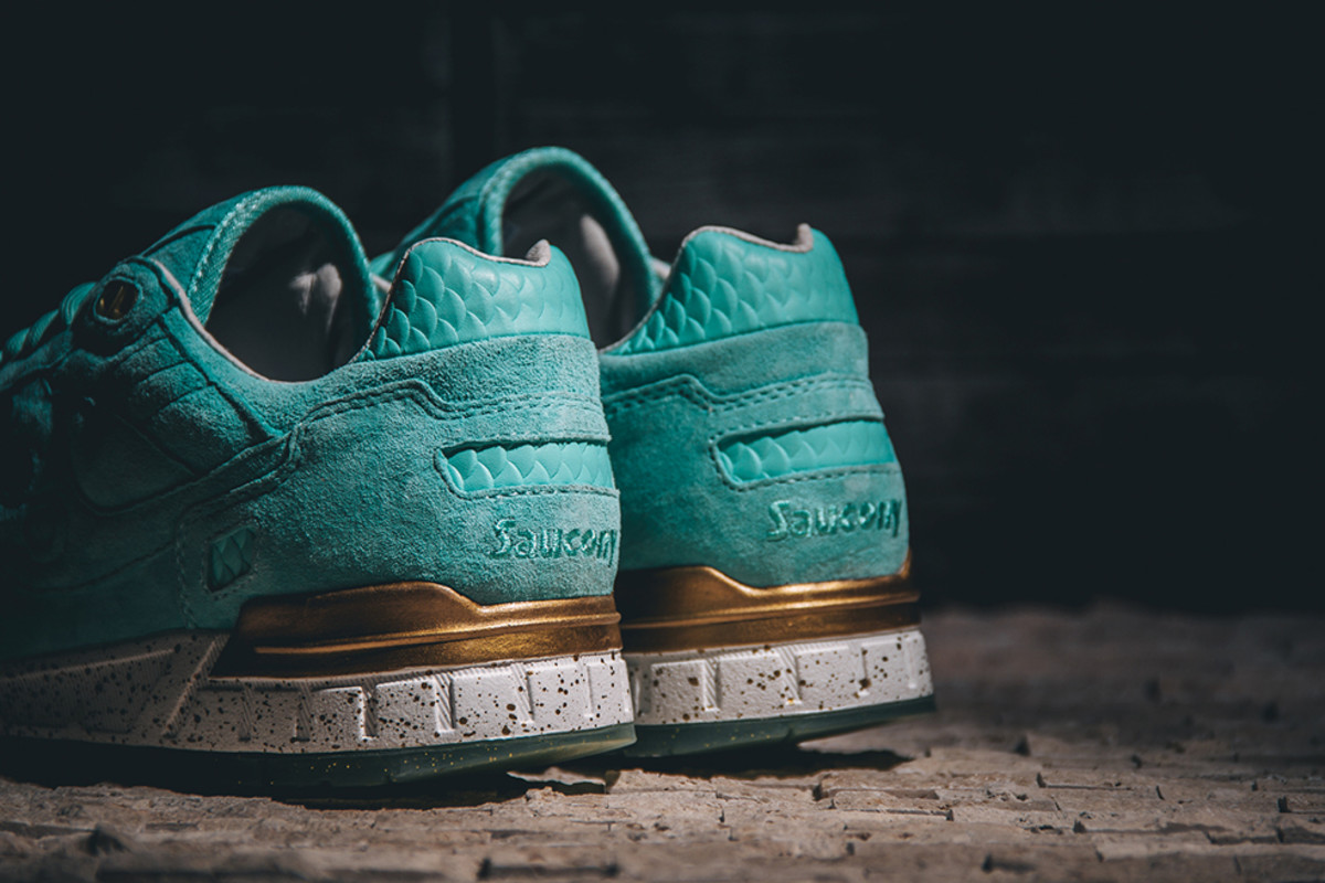 epitome-saucony-shadow-5000-righteous-one-06