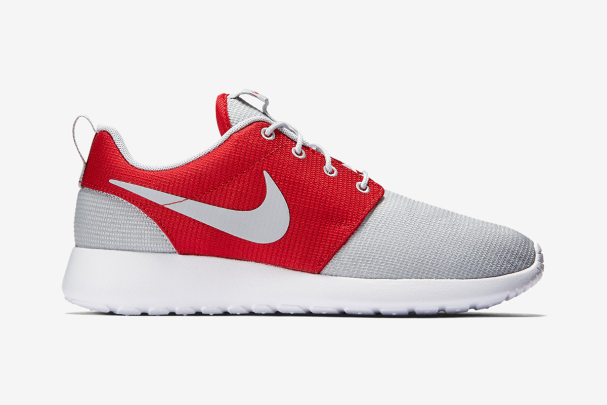 roshe run red