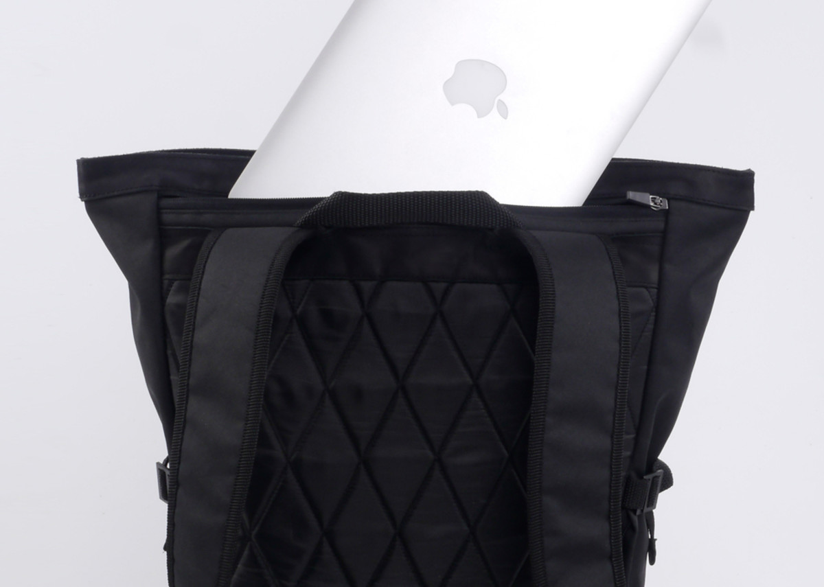 px-invisible-backpack-05