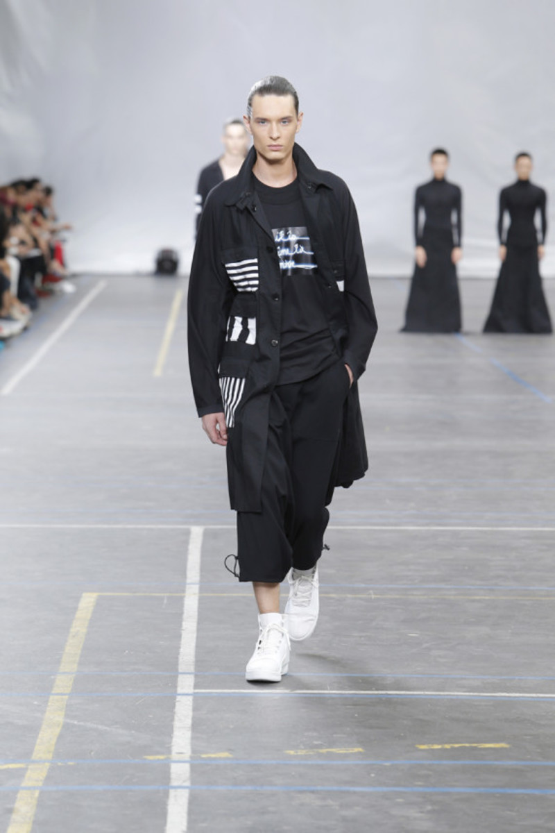 y-3-spring-summer-2016-collection-runway-show-07