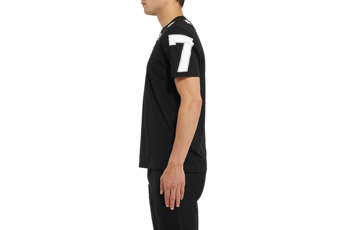 givenchy-cuban-fit-star-t-shirt-02