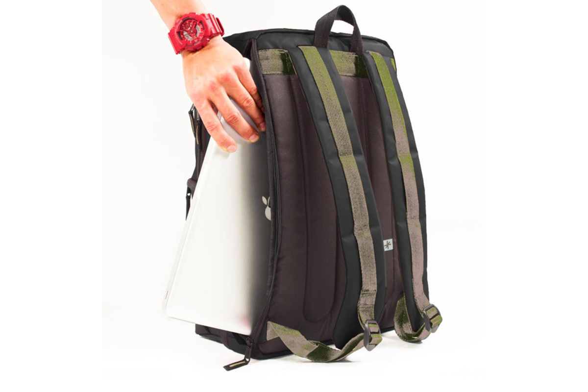 shrine-sneaker-daypack-03