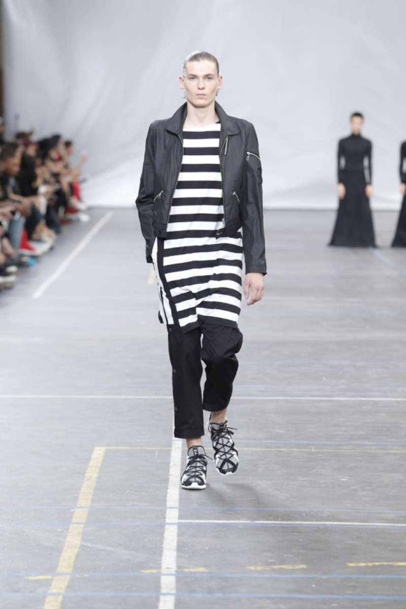 y-3-spring-summer-2016-collection-runway-show-10