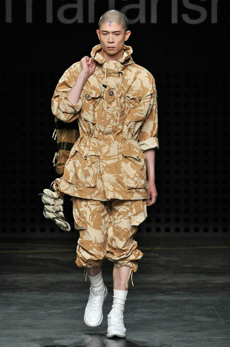 maharishi-spring-summer-2016-collection-runway-show-04