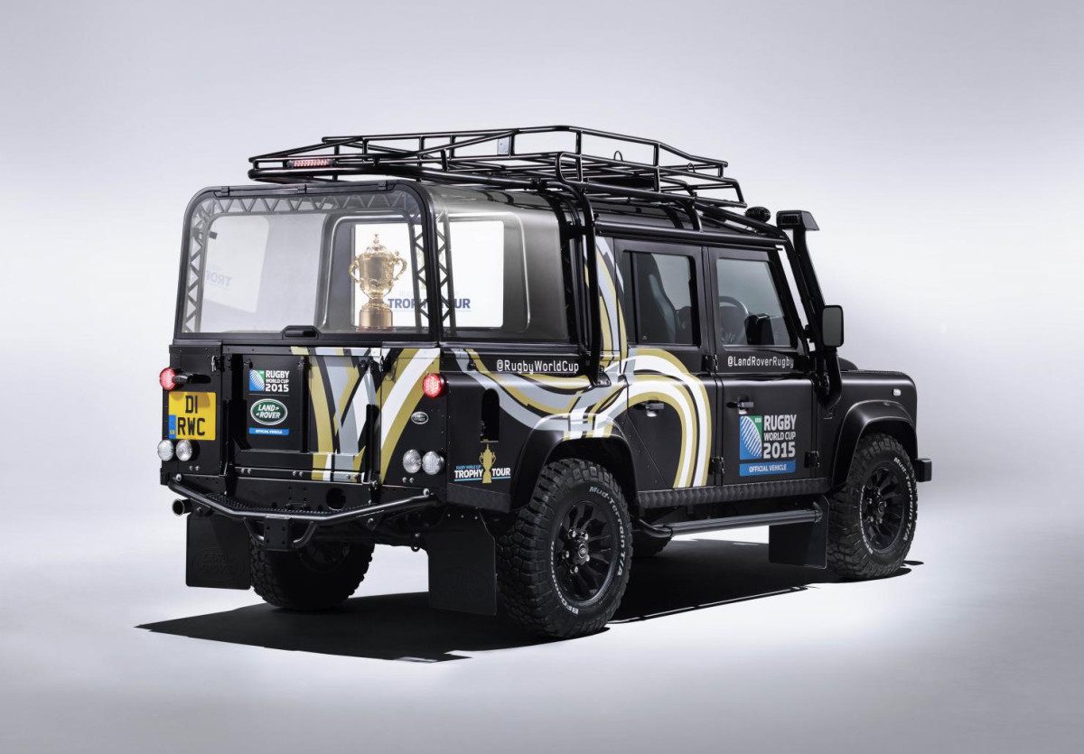 land-rover-bespoke-rugby-world-cup-defender-02