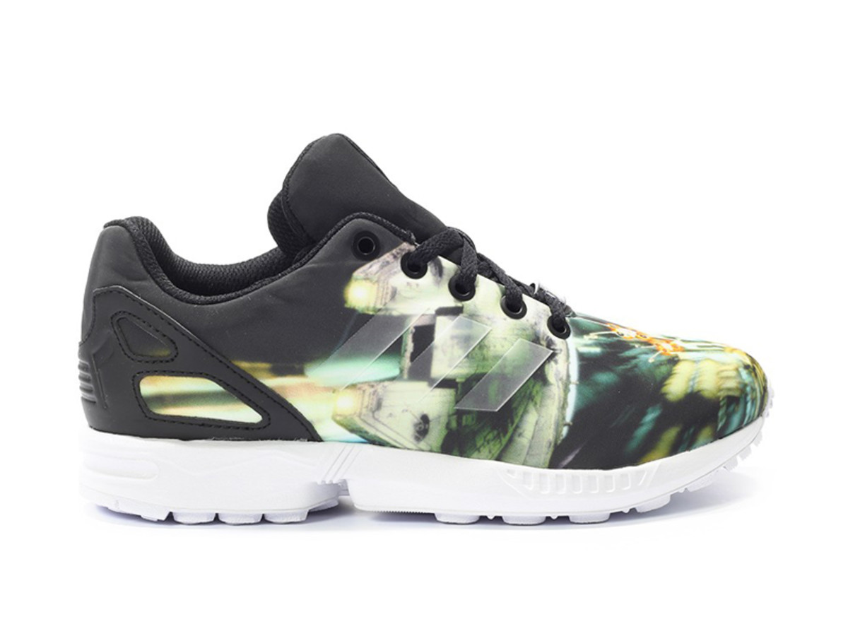 star-wars-adidas-originals-zx-flux-millennium-falcon-01