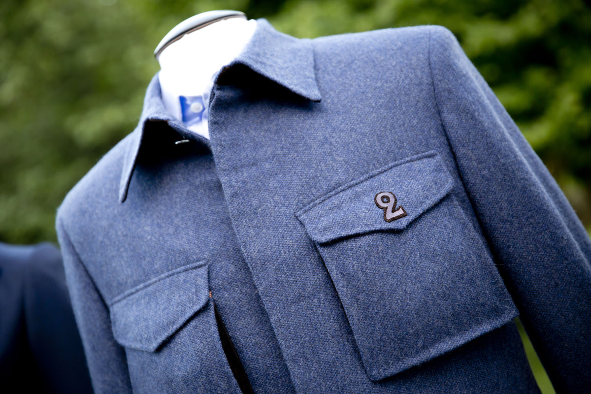 bentley-presents-intelligent-details-the-bespoke-driving-jacket-03