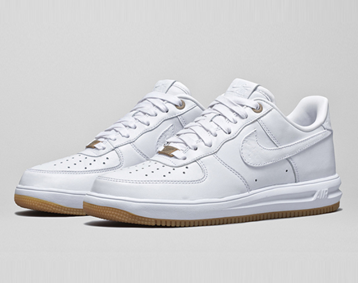 nike-introduces-the-white-pack-00