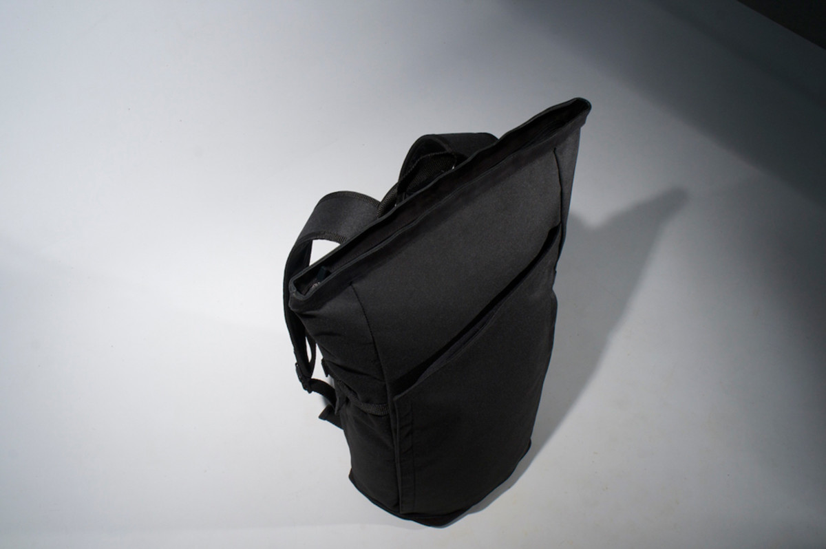 px-invisible-backpack-02