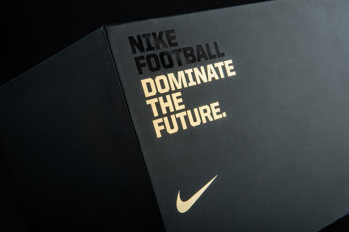 nike-the-opening-invite-package-01