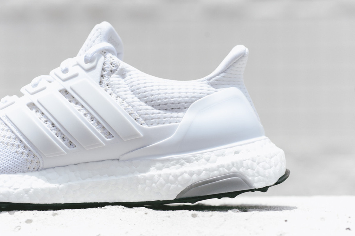 adidas-ultra-boost-all-white-06