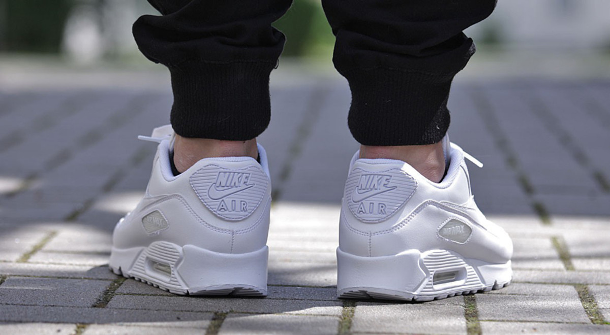 nike-air-max-90-leather-all-white-07
