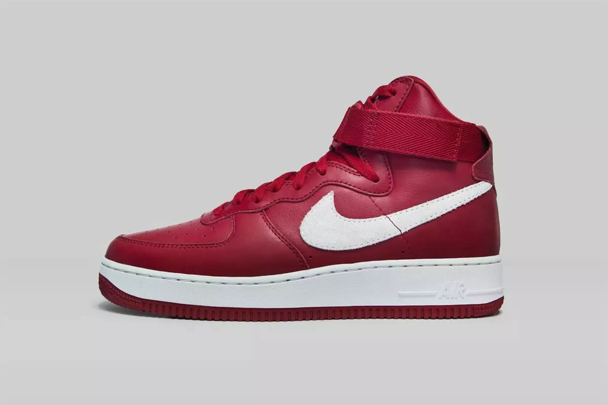 nike-air-force-1-high-nai-ke-gym-red-01